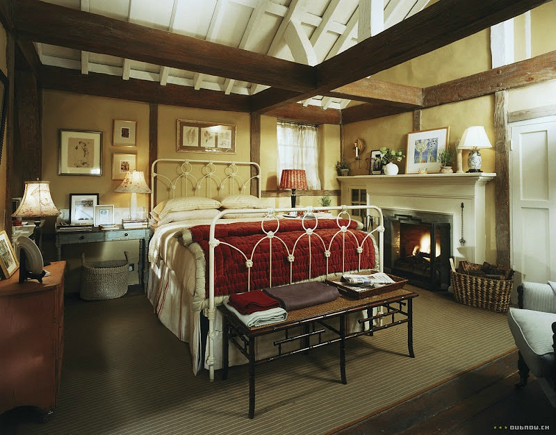 Iris's cottage bedroom in The Holiday movie