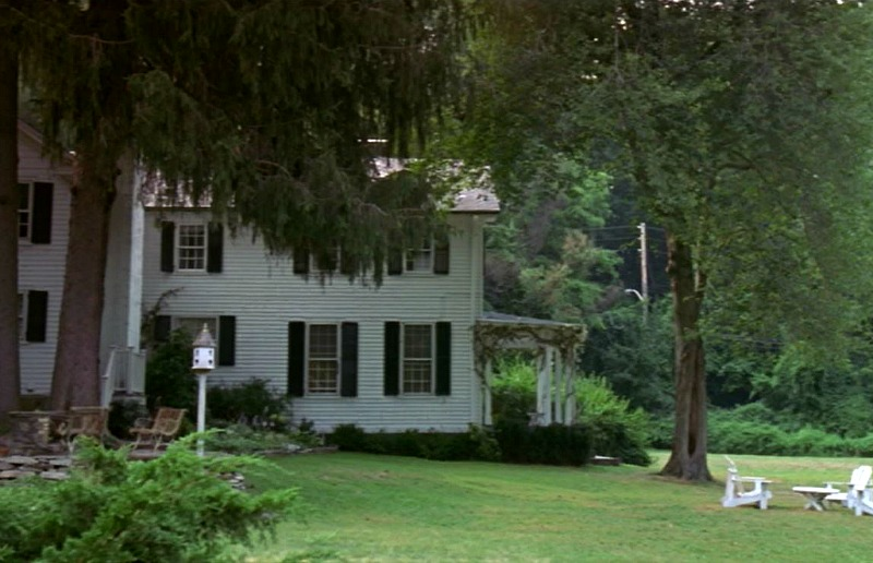 side yard of house in movie Unfaithful