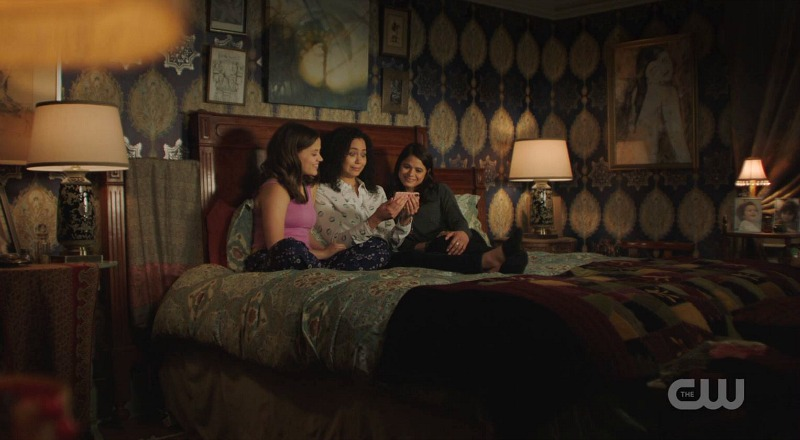 Charmed reboot CW house bedroom