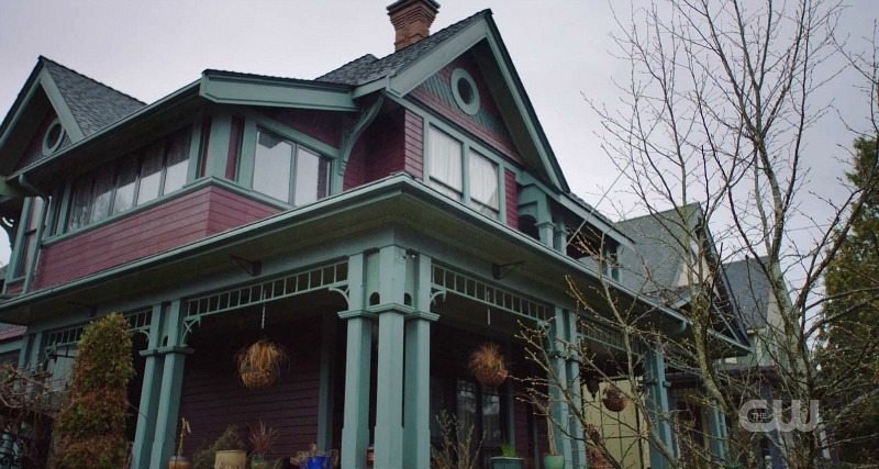 Charmed reboot CW house porch