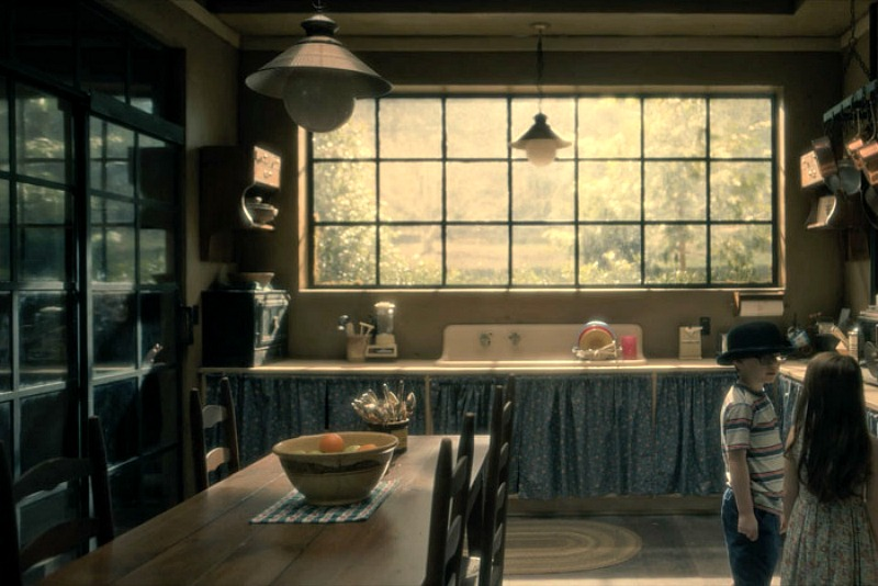 Netflix Haunting of Hill House screenshot - kitchen