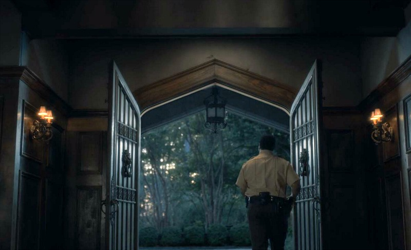 Netflix Haunting of Hill House entry doors
