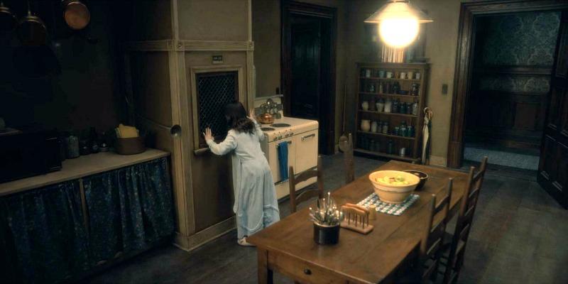 Netflix Haunting of Hill House screenshot - dumbwaiter