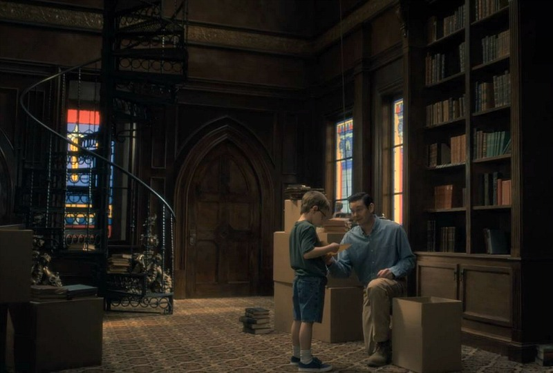 Netflix Haunting of Hill House screenshot - library