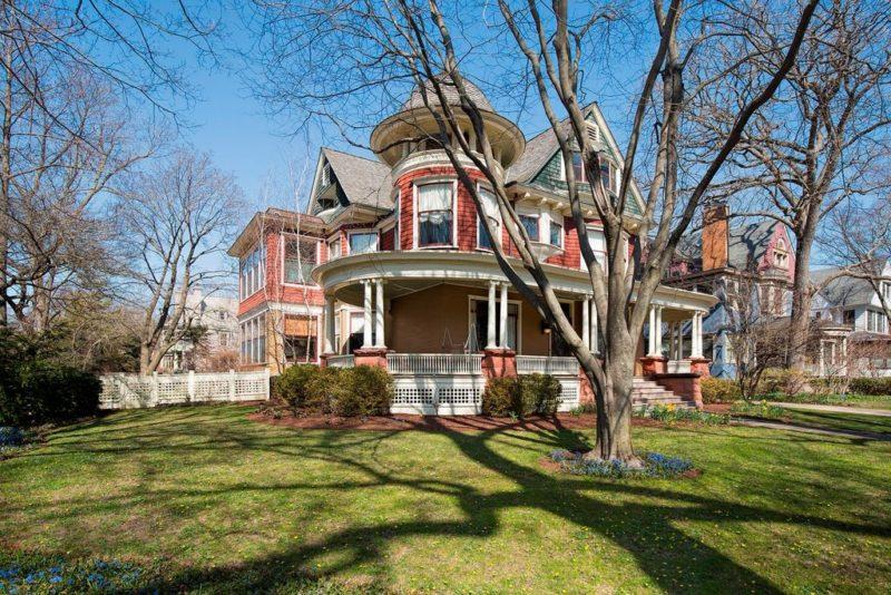 1104 Michigan Ave Victorian
