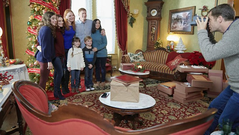 Christmas on Honeysuckle Lane Hallmark Movie Still