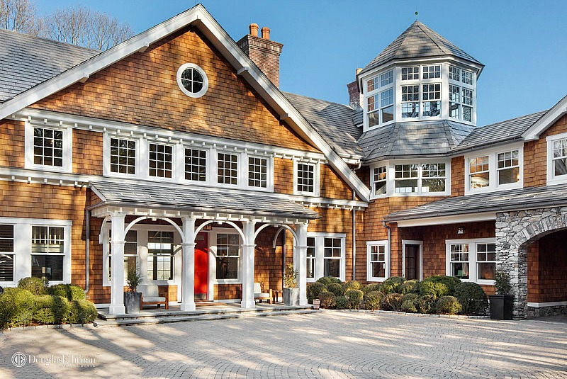 Front exterior of Bruce Willis's shingle-style country house in New York