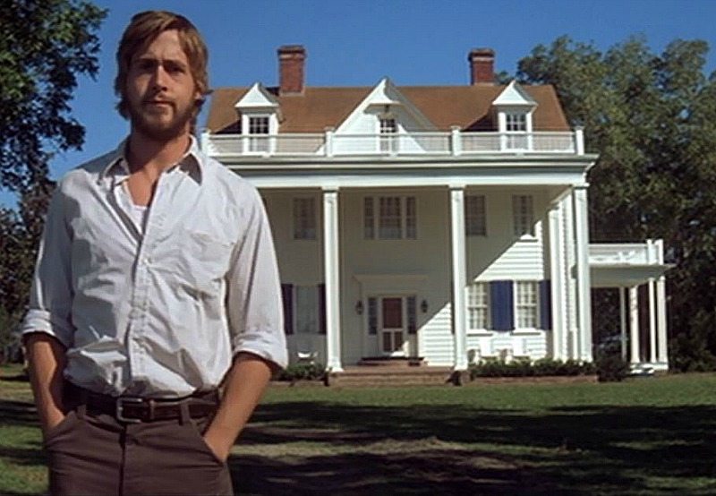 Ryan Gosling at Noah's renovated house The Notebook