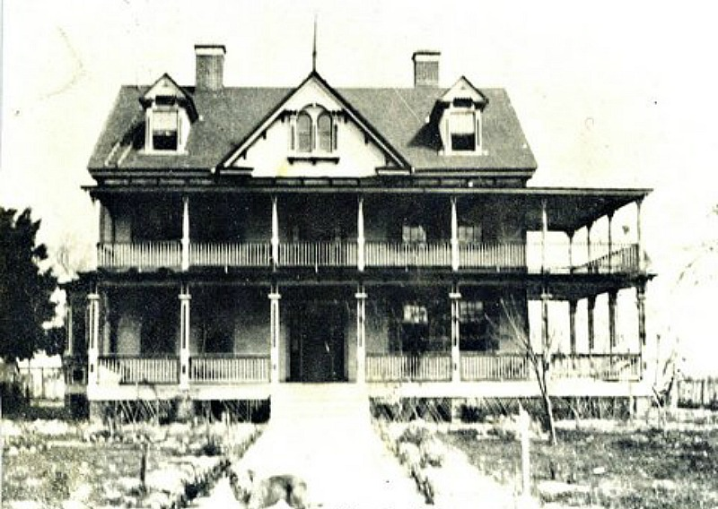 The Notebook movie house in 1900
