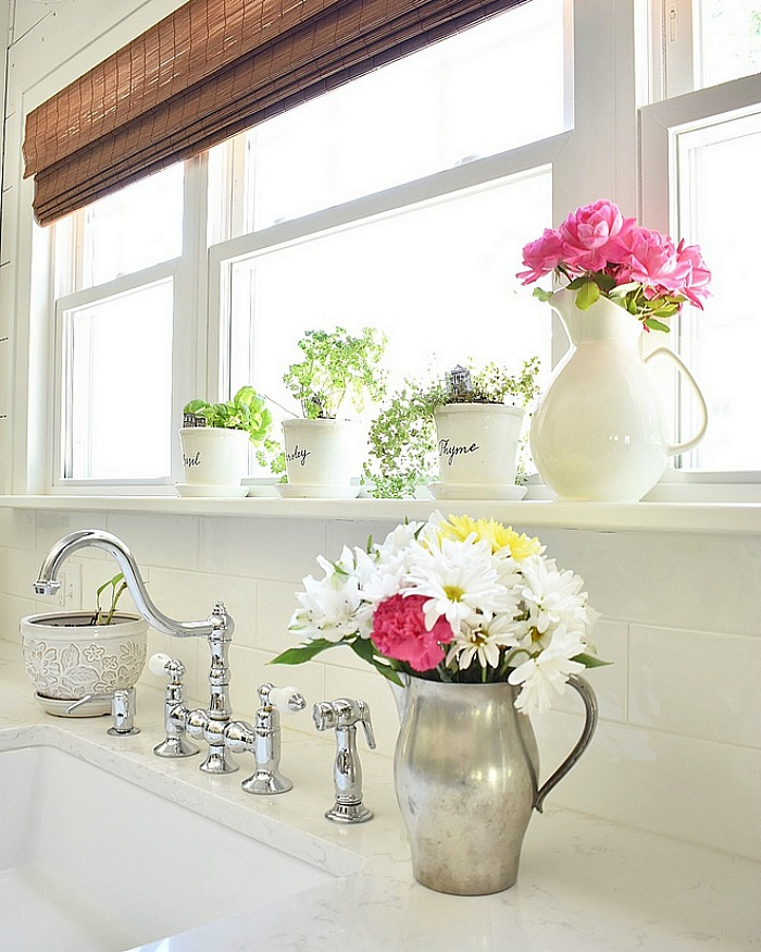 Cottage kitchen sink with flowers