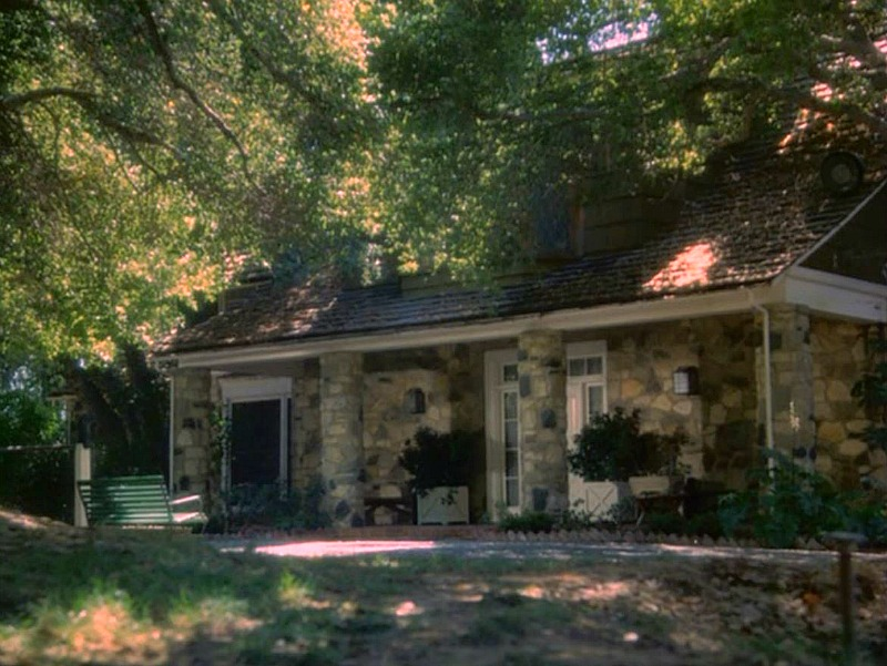 Celebrity Dining: Hart to Hart House Exterior on TV Show