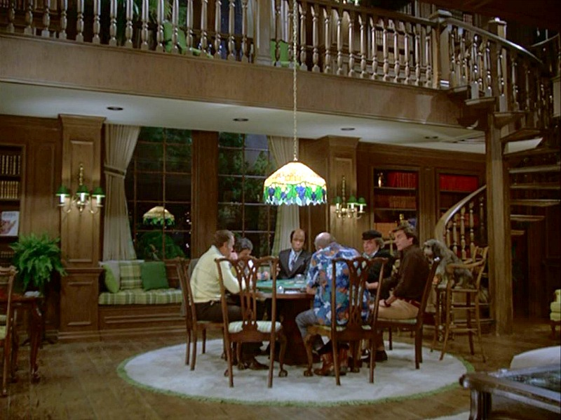 Celebrity Dining: Hart to Hart living room in pilot episode