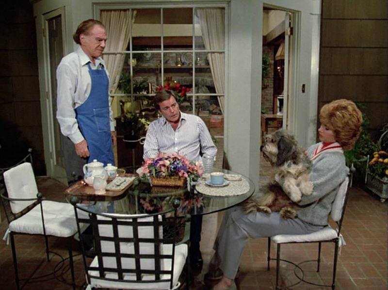 Celebrity Dining: Hart to Hart house back patio