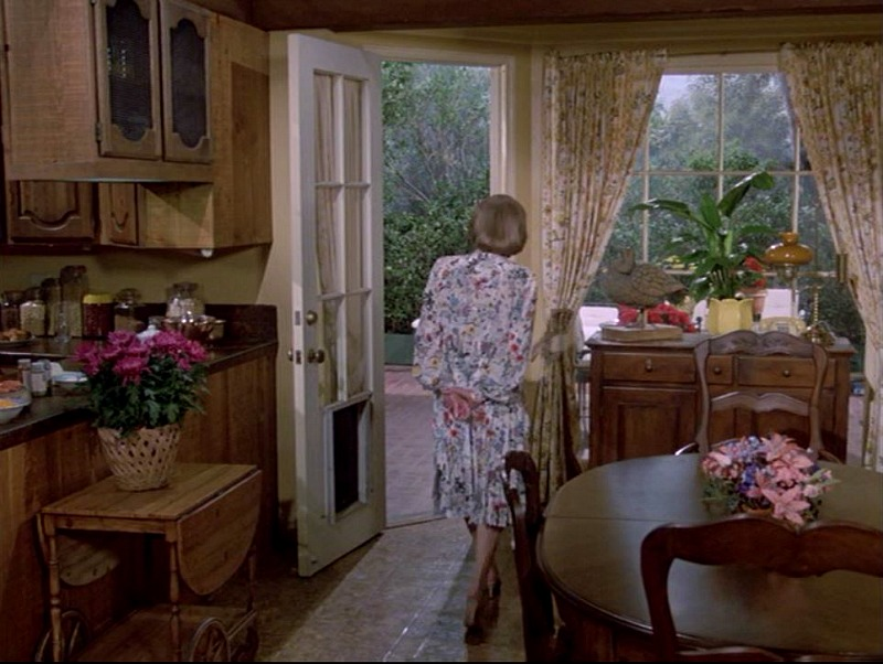 Celebrity Dining: Hart to Hart house kitchen door to back patio