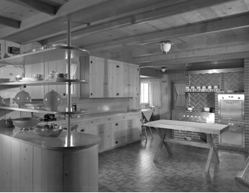 Celebrity Dining: original kitchen at amber hills estate 1949