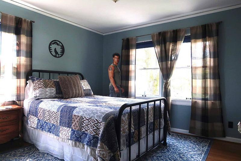 Jacob Black Room at Twilight Swan House