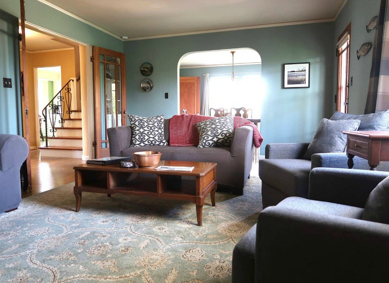 Living room in Bella Swan\'s house featured in Twilight movies