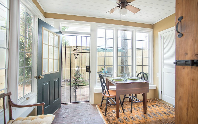 Eat-in kitchen with door to back patio