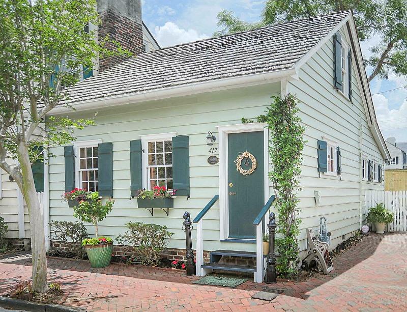 Freeman's Cottage Savannah GA Lucky Vacation Rental Feature