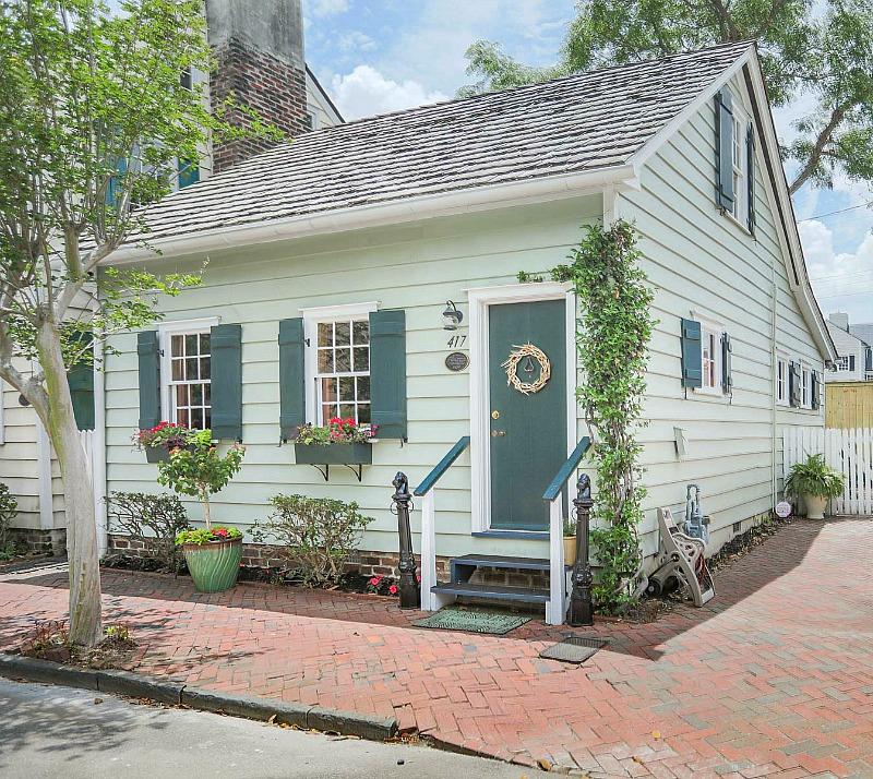 Vacation Rentals Savannah Ga >> Freeman S Cottage In Savannah S Historic District Hooked