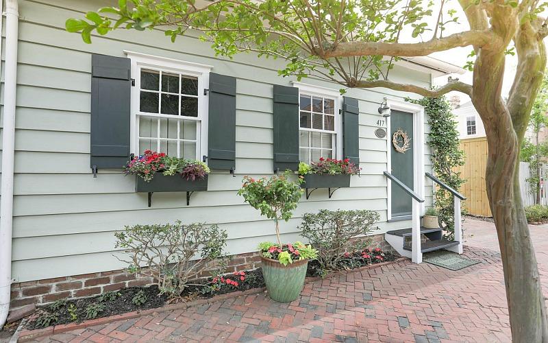 Freeman's Cottage Savannah brick sidewalk