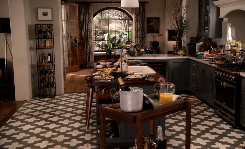 Robert and Sol's Kitchen on Grace and Frankie
