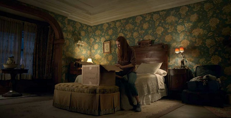 Locke and Key House Bedroom Darby Stanchfield as Nina