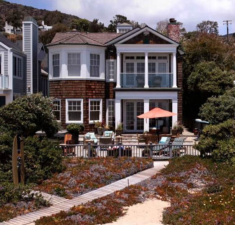 Malibu Beach House on Grace and Frankie