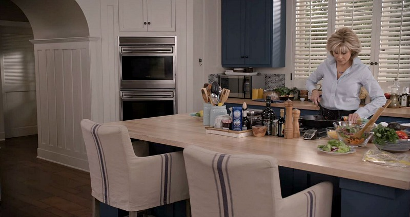 arched kitchen doorway Grace and Frankie