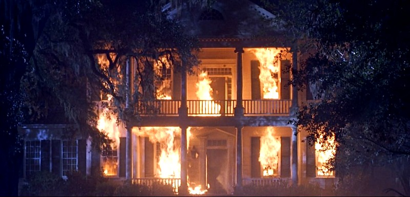 Aunt Charlotte's House on Fire in The Patriot Movie