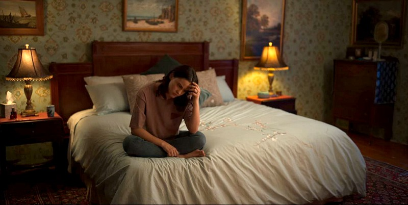 Bedroom in Dangerous Lies House Camila Mendes