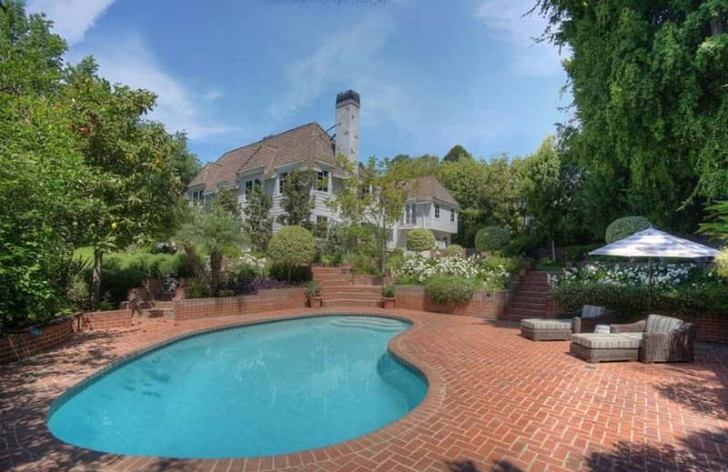 Christopher Meloni selling former Ozzie and Harriet house pool