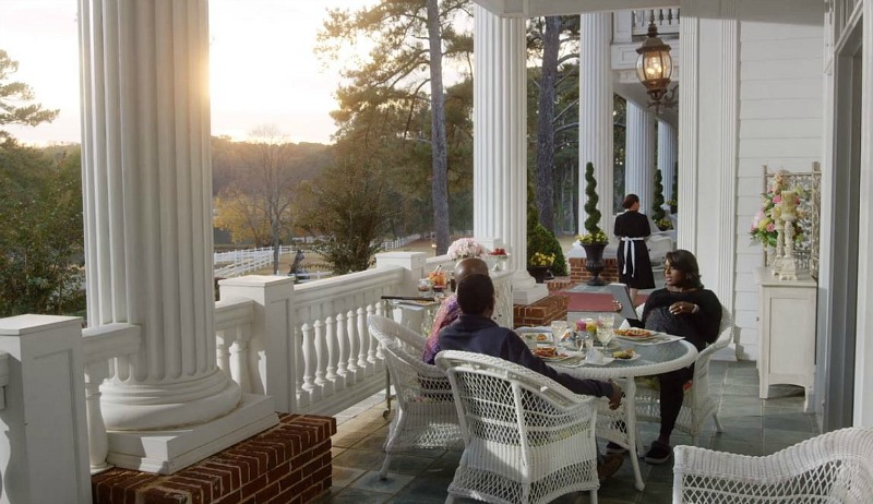 breakfast on the porch of the plantation house