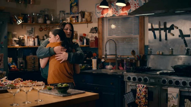Dana Sue and Annie Sullivan in the kitchen