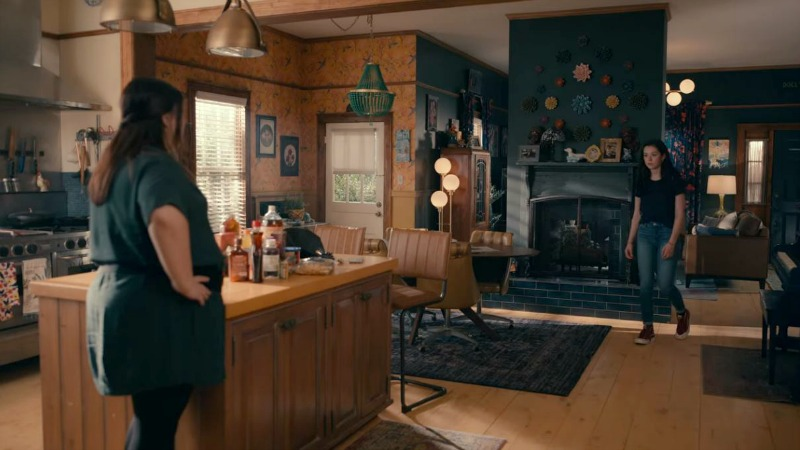 Dana Sue's fireplace on Sweet Magnolias