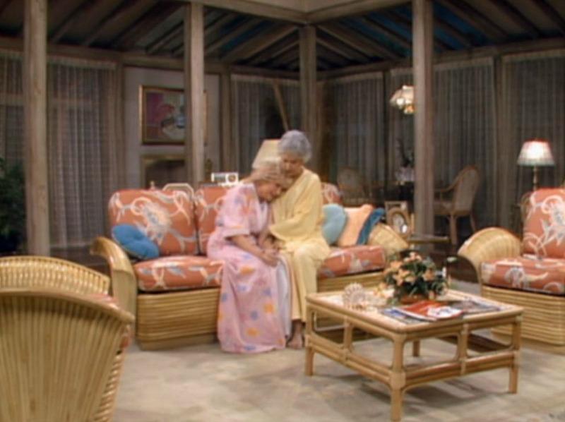 Living Room Sofas on Golden Girls