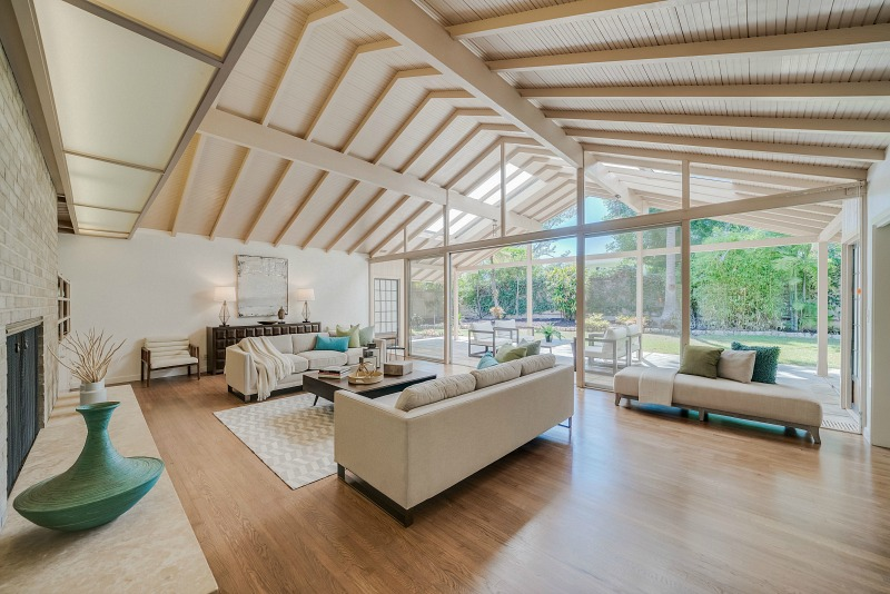 Midcentury Modern Living Room Vaulted Ceiling