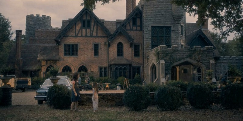 Haunting of Hill House Manor Exterior