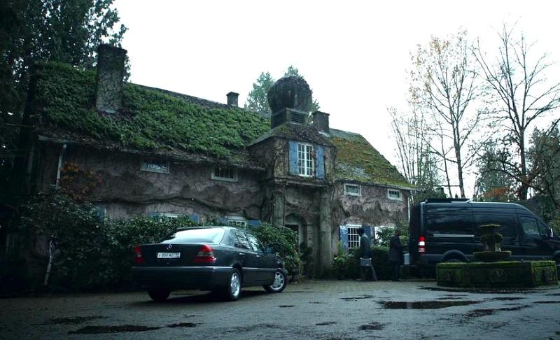 Foxglove Cottage in Arrow episode Bratva