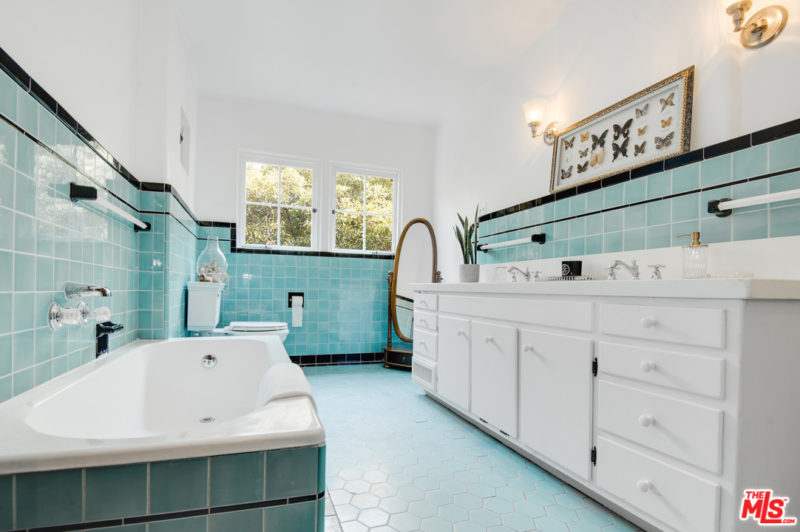 bathroom with vintage blue tile