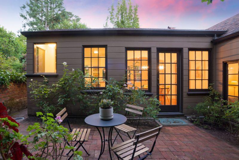 Tudor Cottage 1833 Carter St Oakland