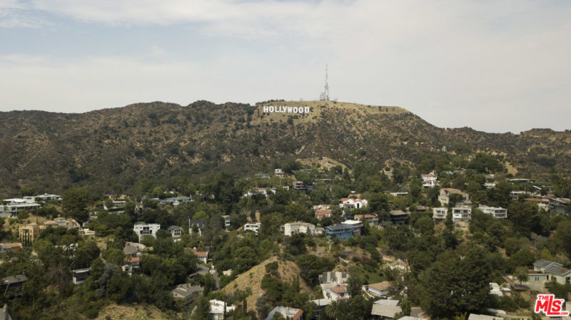 beachwood canyon hollywood sign