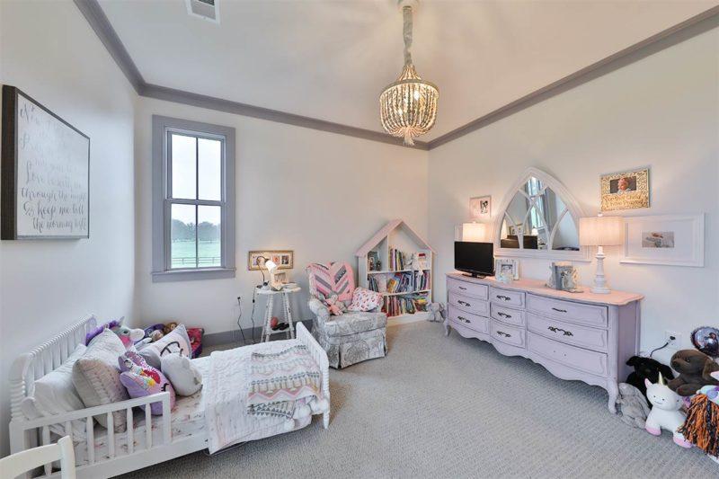 girl's bedroom in farmhouse