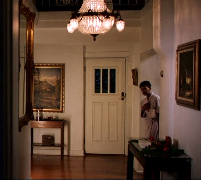 front hall of Foxglove Cottage in Intruder
