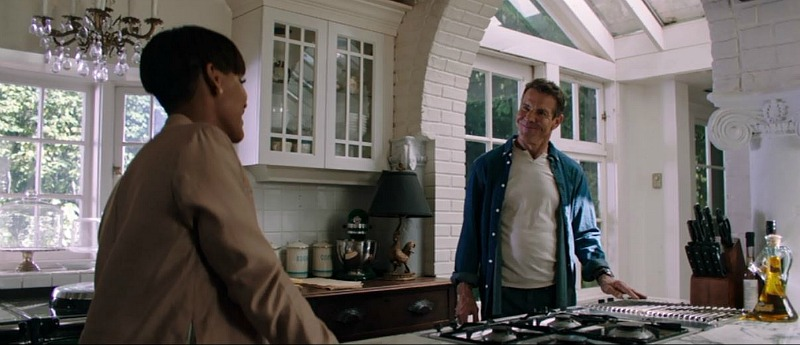 kitchen in The Intruder movie