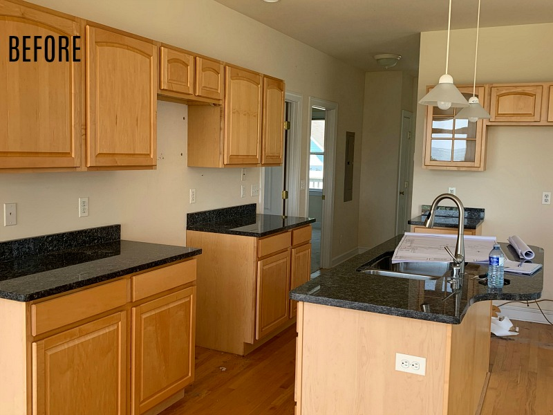 kitchen with oak cabinets before remodel
