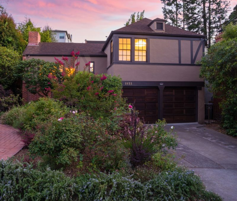 A Small Tudor Style Cottage For Sale In California Hooked On Houses