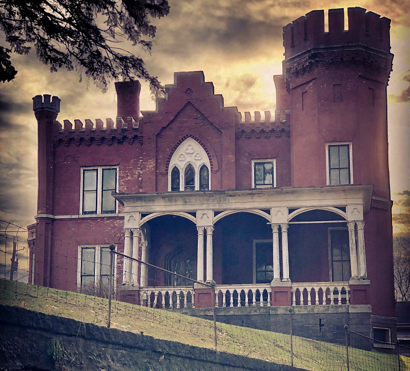 Auburn Castle haunted manor auction new york