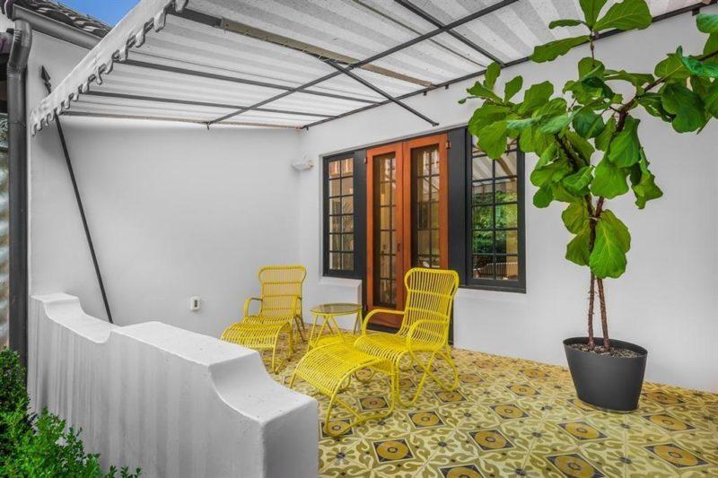 Austin Bungalow 122 Laurel Lane For Sale front patio awning
