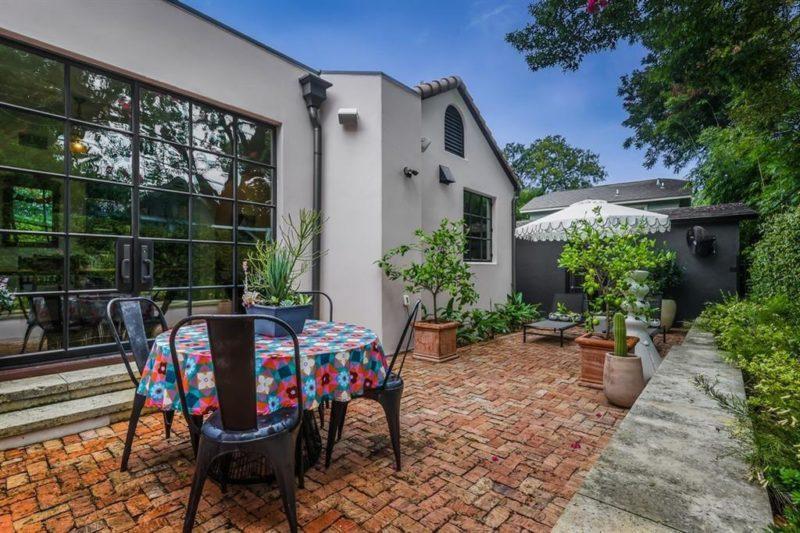 Austin Bungalow back patio brick pavers